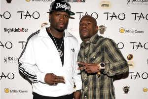 50cent with money - 50 cent- Floyd Mayweather y Manny Pacquiao