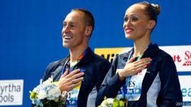Bill May gana el primer oro masculino en natación sincronizada