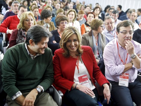 President of the Andalusia Regional Government Susana Diaz listens to President of the Asturias Regional Government Javier Fernandez during the federal committee meeting of Spain's Socialist Party (PSOE) at their headquarters in Madrid, Spain