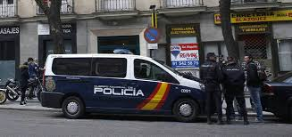 """Estado policial en la sede del PSOE: """"¡Qué vergüenza y qué pena!"""""""