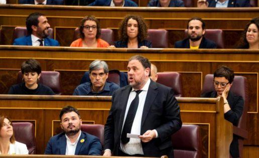 """""""Bochornosa"""" sesión del nuevo Congreso presidido por el PSOE"""