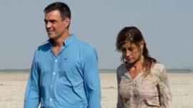 La economía cayendo y Pedro Sánchez veraneando en Doñana