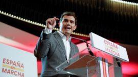 """La """"bomba"""" de Rivera es otro volantazo en su estrategia: ahora quiere pactar con el PSOE"""