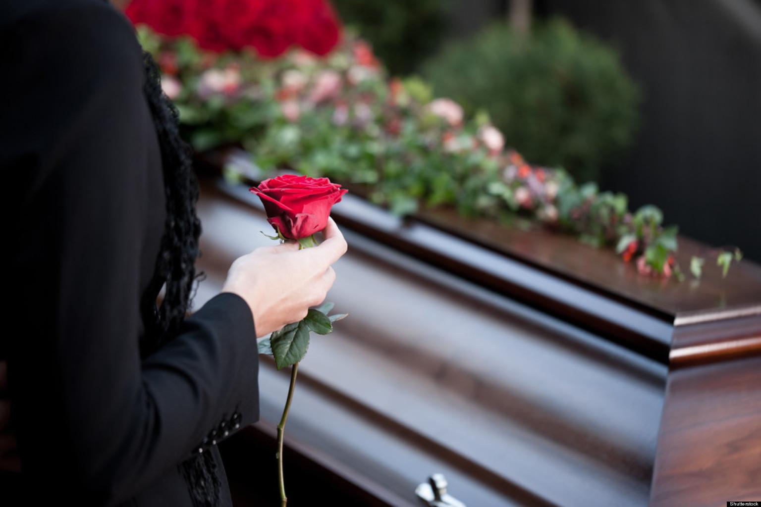 Cómo Comportarse En Un Funeral Protocolo Y Etiqueta