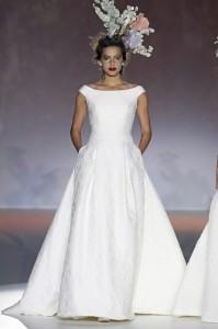 cf7045db5 Tipos de escote  elegancia femenina - PROTOCOLO Y ETIQUETA