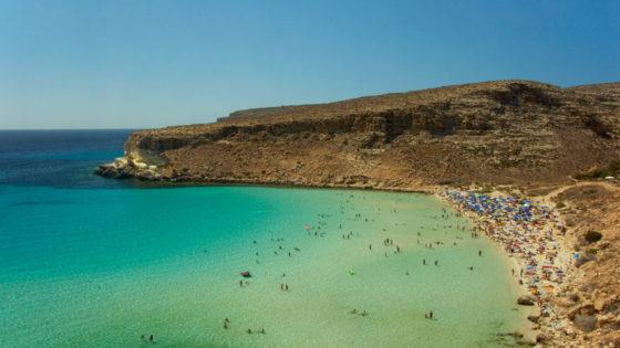 Lampedusa: la mejor playa del mundo y el miedo