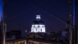 La cúpula de la antigua catedral de Madrid, iluminada por primera vez