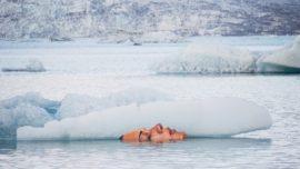 ¿Qué hace esta misteriosa cara junto a un iceberg?