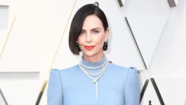 Copia el look de Charlize Theron en los Oscars 2019