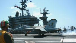 ABC, en el portaaviones «Harry S. Truman» (I): cazas F-18 en acción