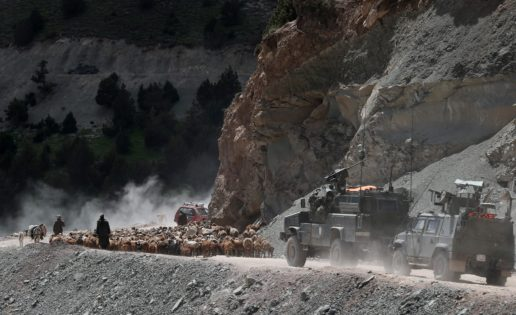 Nos vamos de Badghis: el Sabzak desde un RG-31