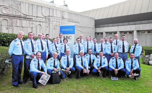 El curso de comunicación del Ejército del Aire visita la Casa de ABC