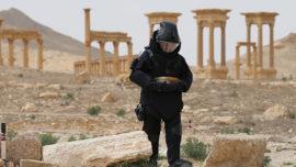 Zapadores rusos desminan la mítica ciudad de Palmira