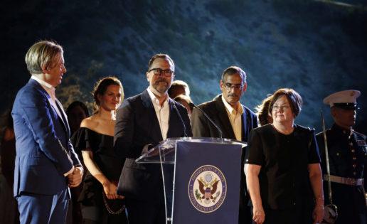 La Defensa y el último 4 de Julio del embajador James Costos