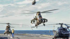Maniobras de helicópteros de la Armada y las Famet con el buque «Dixmude» francés