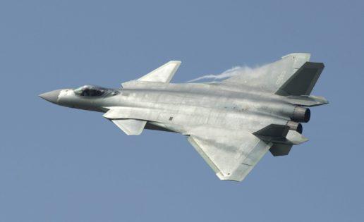 Vídeo: el vuelo del nuevo caza «invisible» chino J-20