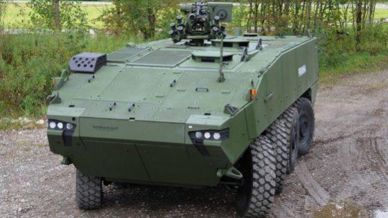 Defensa autoriza el contrato del vehículo 8×8 sin que el Ejército haya probado los demostradores