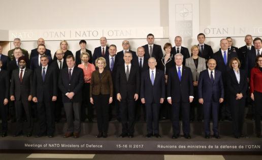 """Cospedal, en la OTAN: """"Está en nuestro interés reforzar el ámbito más operacional de la zona Sur"""""""