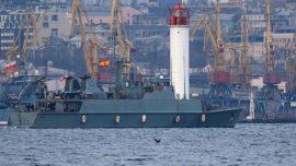 El cazaminas Duero, en el puerto ucraniano de Odesa… y Crimea a 325 kilómetros