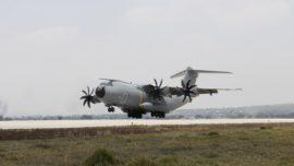 El A400M del Ejército del Aire cruza el Atlántico para participar en la feria aeronáutica de México