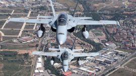 España despliega cinco cazas F-18 en Lituania con la OTAN