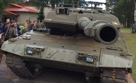 Rajoy anuncia que España podría liderar el batallón de la OTAN en Letonia