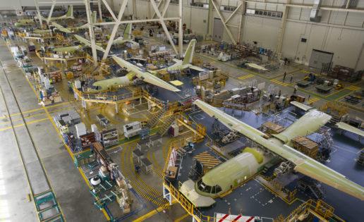Emiratos Árabes Unidos compra cinco aviones militares C295 de Airbus «made in Sevilla»