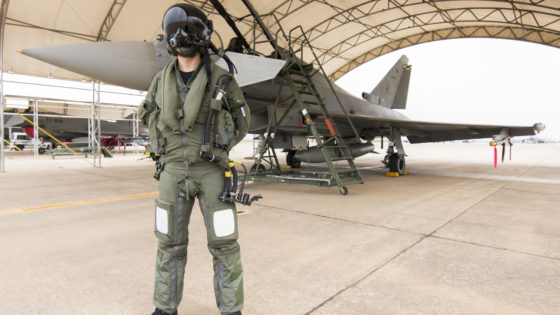 OTAN: España despliega ya sus seis cazas Eurofighter y 130 militares en Lituania