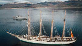 """El paso de """"Elcano"""" por el Canal Beagle y los Fueguinos"""