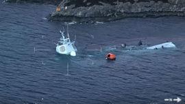 La fragata noruega que chocó con un petrolero, casi hundida en su totalidad