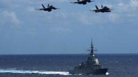 Los F-18 del Lincoln sacan «músculo» junto a la fragata Méndez Núñez