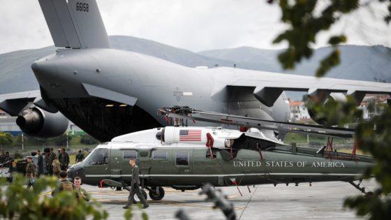 El helicóptero del presidente Trump llega a Fuenterrabía para la Cumbre del G-7