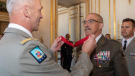 El Jemad recibe en París la distinción de «Comendador de la Legión de Honor»