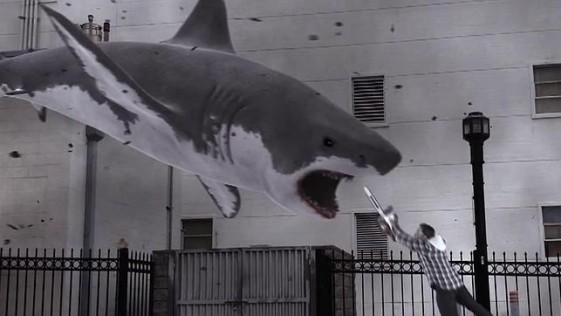 «Sharknado»: tiburones, tornados y motosierras