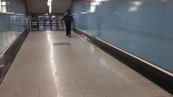Un viaje en metro con los prismáticos de Julio Cortázar