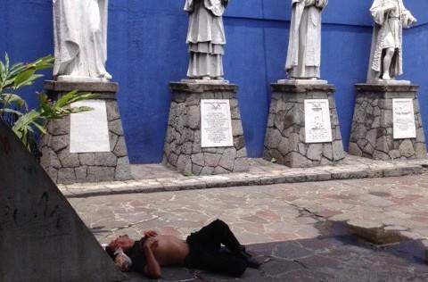 De una crónica que se quedó colgada de una mesa de billar en San Salvador