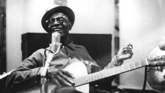 Cuando Lightnin´ Hopkins grabó con los 13th Floor Elevators