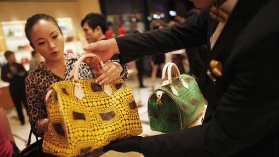 Lujo y bajada del Yuan