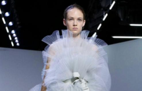 """El """"arca de Chanel"""" y la creatividad de Giambattista"""