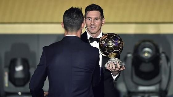 Messi, un balón más discreto