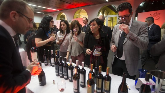 Tres bodegas de la región en el II Salón del Vino de ABC