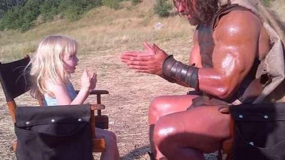 La imagen tonta del día: Hércules jugando a «palmitas»