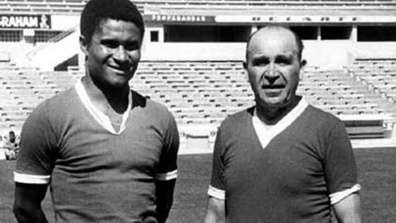 Benfica, por Eusebio y contra el fantasma de Guttman
