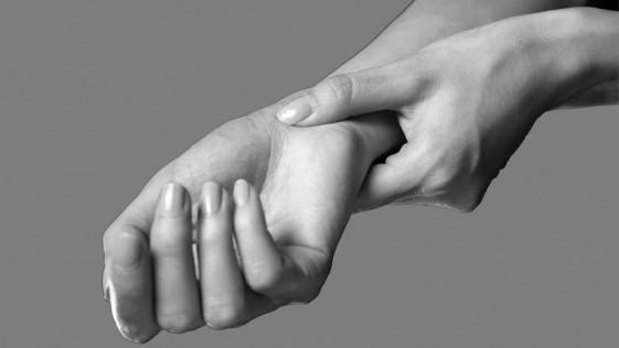 ¿Molestias en la mano? Quizá es el síndrome del túnel carpiano