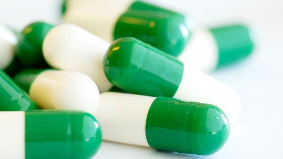 Los efectos adversos del ibuprofeno y el paracetamol