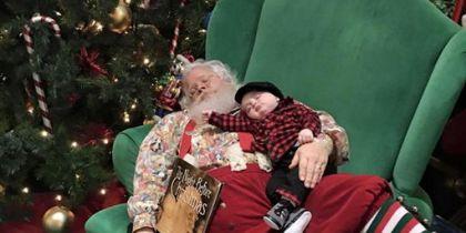 La foto mas tierna de Papá Noel