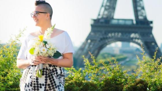 Una mujer se gasta 6.000 euros para casarse con ella misma