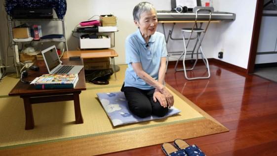 Japonesa con 82 años se dedica a crear apps