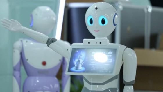 Un médico-robot empieza a tratar pacientes en China