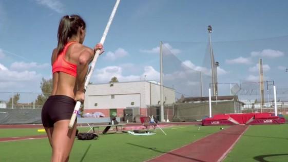 Allison Stokke regresa al salto con pértiga